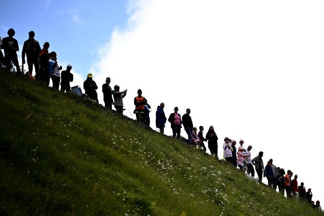 Le public lors de la 17e étape du Tour de France, entre Muret et Saint-Lary-Soulan-col du Portet, le 14 juillet.