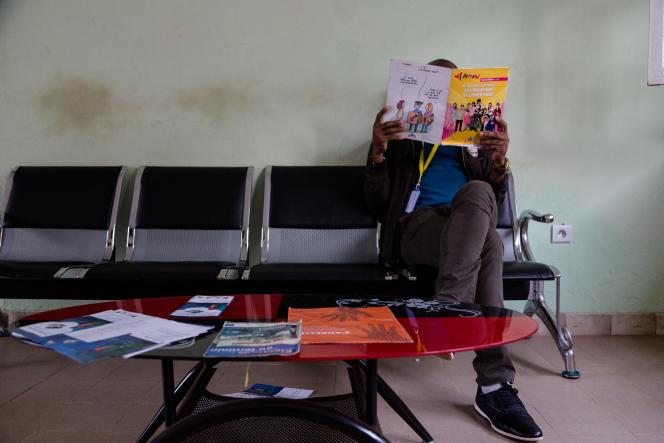 Dans un centre de santé dédié à la communauté LGBT à Yaoundé, en octobre 2019.