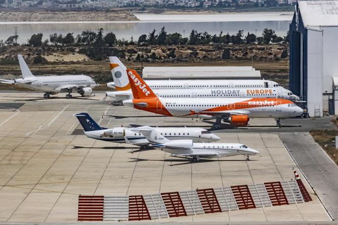 Un avion easyJet sur le tarmac de l'aéroport de Chypre, le 28 mai 2021.