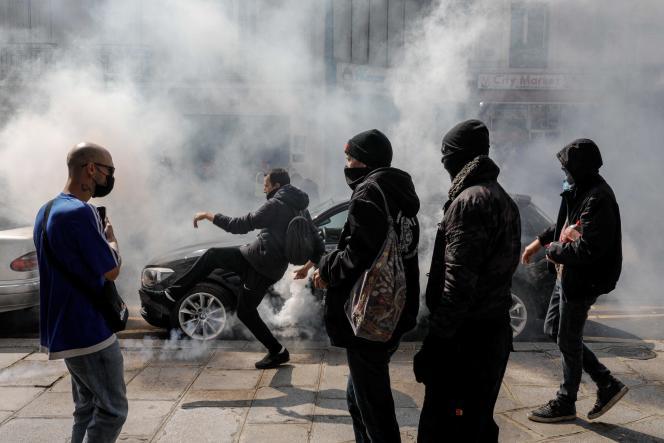 A Paris, la situation s'est tendue.