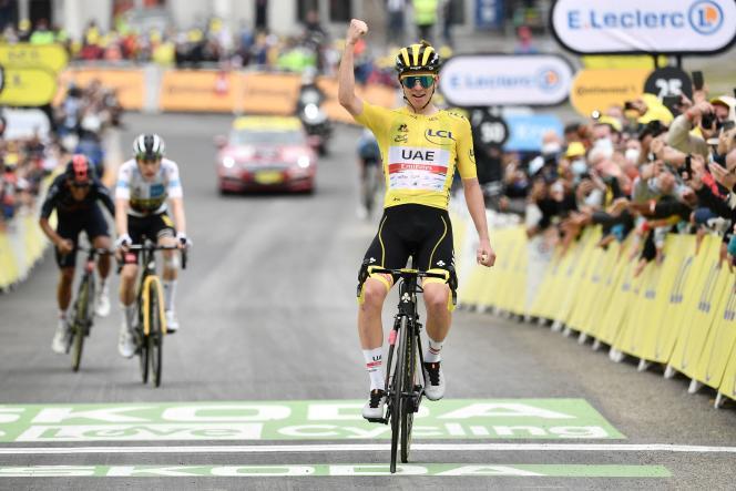 Tadej Pogacar (UAE Emirates) lors de sa victoire dans la 18e étape du Tour de France, entre Pau et Luz Ardiden, le 15 juillet.