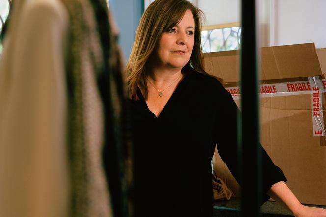 Jo Slater, dans le département costume du studio Urban Smith de Newport, au Pays de Galles.