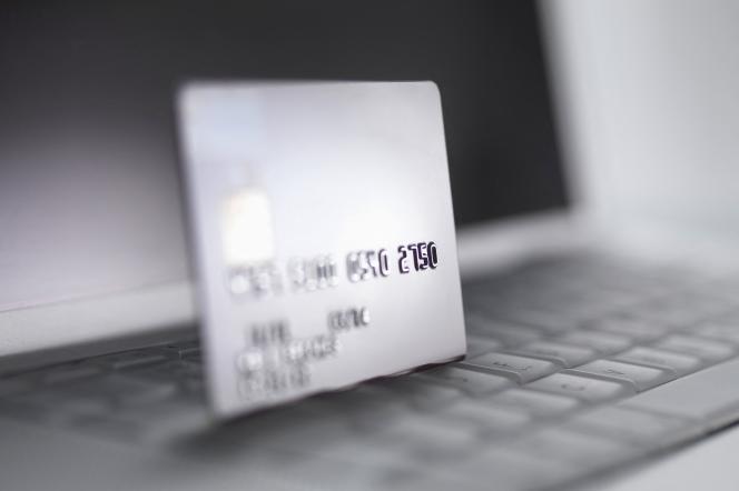 Avec la double authentification,il faut deux éléments d'identification pour valider une transaction Internet, là où on ne vous en demandait avant qu'un seul, souvent un code à usage unique reçu par SMS.