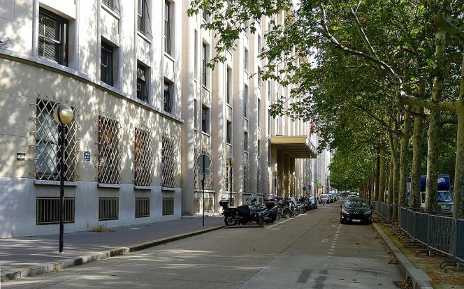 Au siège du service d'information du gouvernement, avenue de Ségur à Paris.
