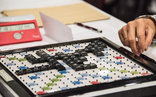 Des joueurs de Scrabble lors des championnats du monde, le 29 août 2016, au Grand Palais de Lille.