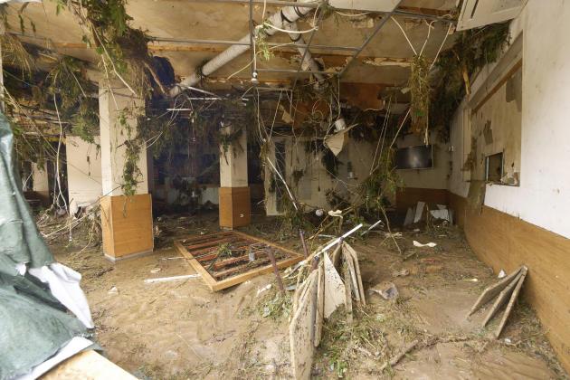 La salle dévastée d'un restaurant à Altenahr, en Allemagne, le 15 juillet 2021.