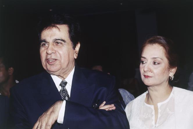 Dilip Kumar et son épouse Saira Banu, en janvier 1990.
