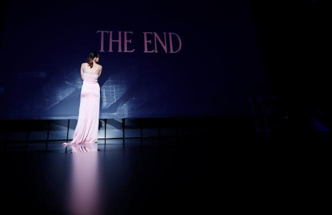 La cérémonie de clôture du 74e festival de Cannes, le 17 juillet 2021, présentée par la maîtresse de cérémonie, l'actrice Doria Tillier.