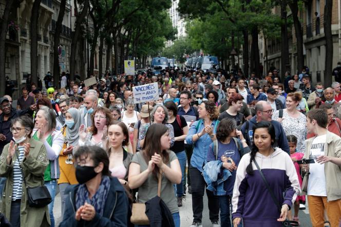Manifestation contre le passe sanitaire à Paris, samedi 17 juillet 2021.