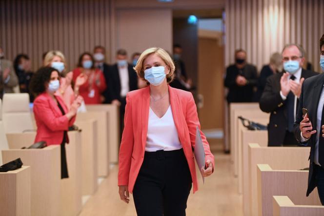 La présidente de l'Ile-de-France, Valérie Pécresse, à l'assemblée du conseil régional à Saint-Ouen, en banlieue parisienne, le 2 juillet 2021.