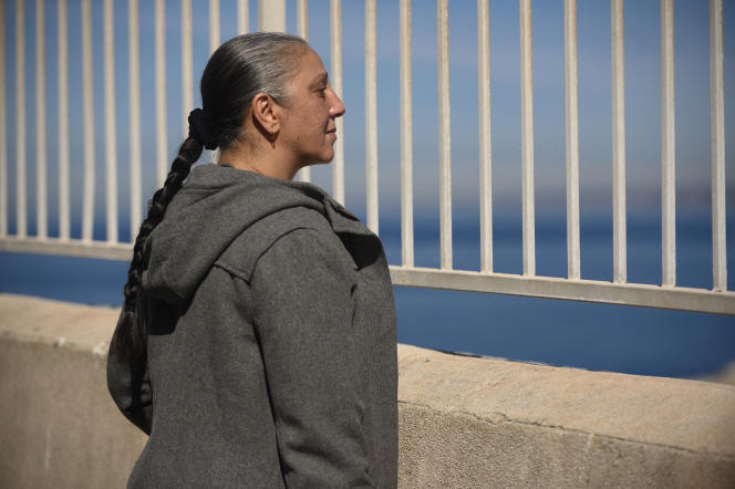 Nora (Halima Benhamed) dans «Bonne Mère», d'Hafsia Herzi.
