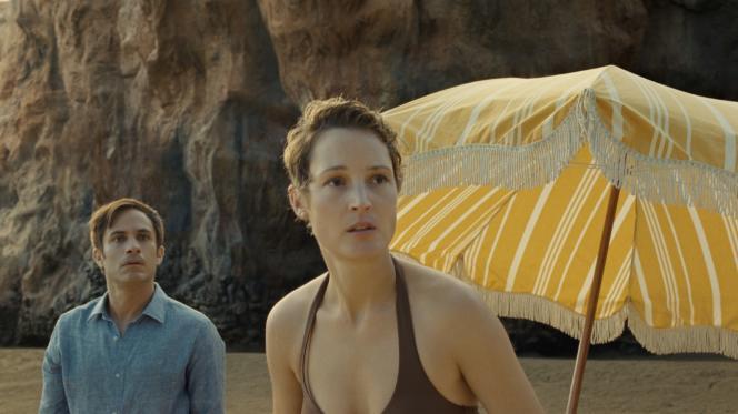 Guy (Gael García Bernal) et Prisca (Vicky Krieps) dans le film «Old», de M. Night Shyamalan.