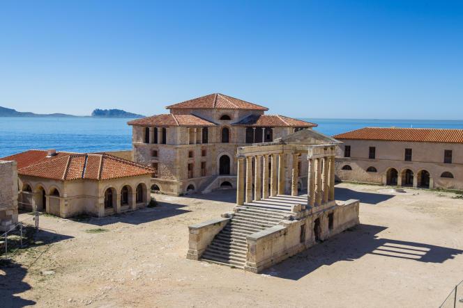 L'hôpital Caroline sur l'île Ratonneau (Bouches-du-Rhône), rénové par l'association Acta Vista, le 3 septembre 2014.