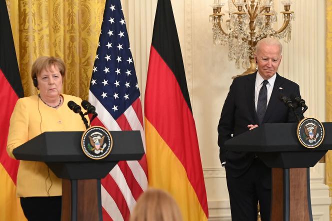 Le président américain, Joe Biden, et la chancelière allemande, Angela Merkel, tiennent une conférence de presse conjointe à la Maison Blanche, à Washington (Etats-Unis), le 15 juillet 2021.