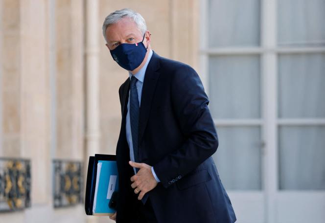 Le ministre de l'économie, Bruno Le Maire, arrive pour un conseil des ministres à l'Elysée, à Paris, le 19 juillet 2021.