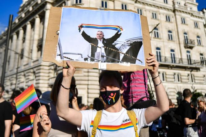Demonstration on June 14, 2021 in Budapest against the law prohibiting in particular the promotion of homosexuality and gender identities among minors.
