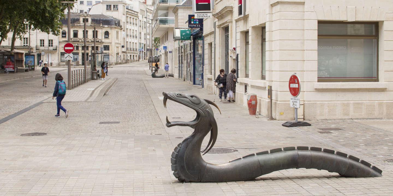 «Les Dragons de Niort font ressurgir au cœur de la ville le fonds mythologique du Marais poitevin»