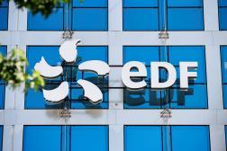 Le logo d'EDF, à son siège social parisien, le 22 juillet.