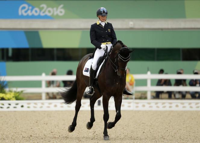 L'Australienne Mary Hanna au concours de dressage équestre aux Jeux olympiques d'été 2016 à Rio de Janeiro, au Brésil, le 10 août 2016.