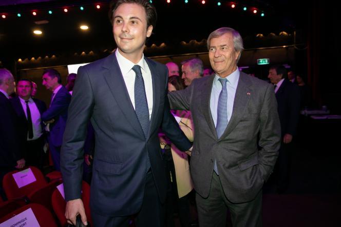 Cyrille Bolloré et son père Vincent, à Paris, en 2019, année où il a pris les commandes de la holding familiale.