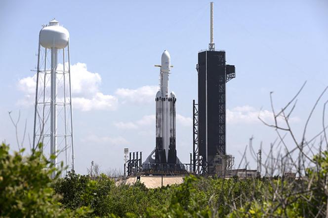 La fusée Falcon Heavy de SpaceX, au centre spatial Kennedy en Floride, le 24 juin 2019.