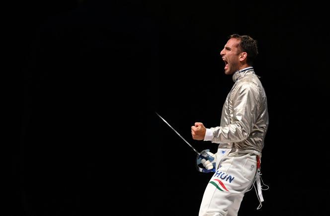 Le sabreur hongrois Aron Szilagyi, 31 ans, est devenu, samedi à Tokyo, le premier escrimeur masculin dans l'histoire à aligner trois titres olympiques consécutifs individuels.