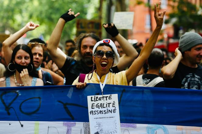 Dans le cortège de la manifestation contre le passe sanitaire, samedi 24 juillet à Toulouse.