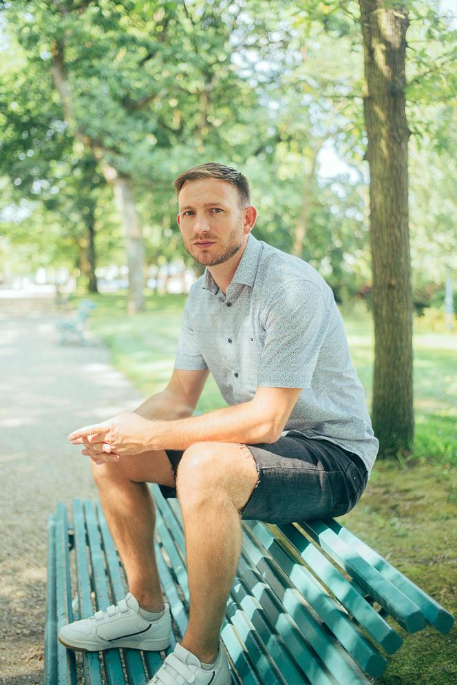 Joël Thibault, au parc Thabor à Rennes, le 21juillet. Depuis la Bretagne, il organise des Zoom de prière et a mis en place une ligne d'écoute en direct pour les sportifs.