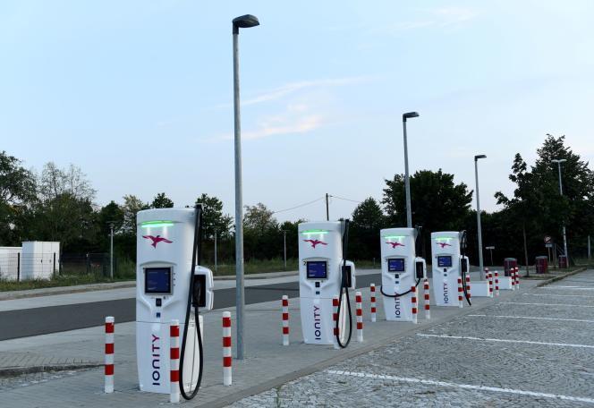 Une station de recharge pour véhicules électriques Ionity à Dresde, en Allemagne, le 27 août 2019.
