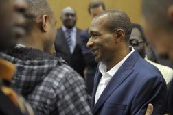Michel Thierry Atangana à son arrivée à l'aéroport Roissy-Charles-de-Gaulle, le 28 février 2014, après dix-sept ans de détention au Cameroun.