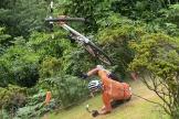 Le Néerlandais Mathieu Van der Poel chute lors de l'épreuve de VTT aux Jeux olympiques, le 26 juillet à Izu (Japon).