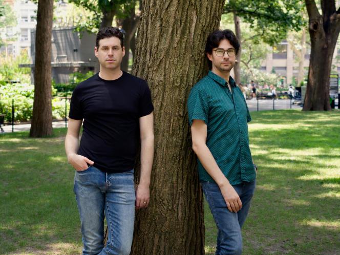 Les cofondateurs de Bubble, Josh Haas (à gauche) et Emmanuel Straschnov, au Flat Iron Square Park, à New York, le 16 juillet 2021.