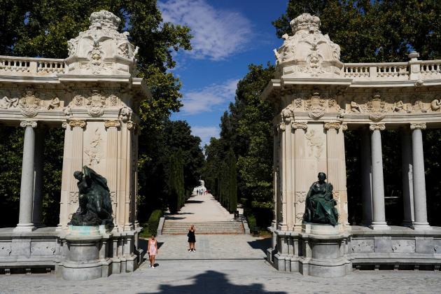 Le parc du Retiro, à Madrid (Espagne), classé au Patrimoine mondial de l'Unesco avec le boulevard voisin du Paseo del Prado.
