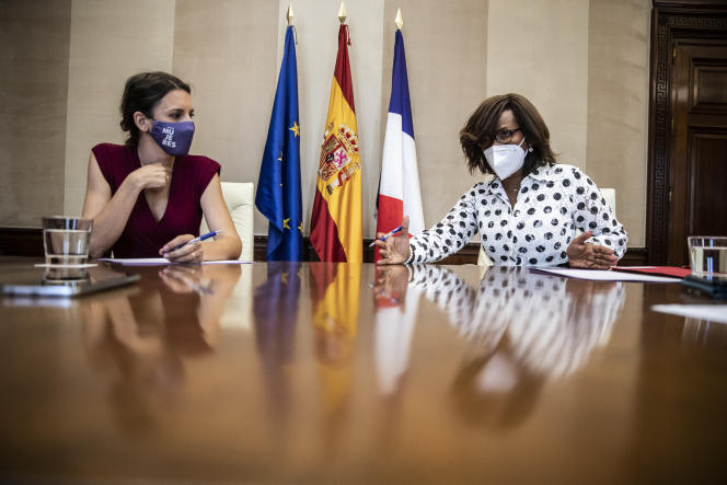 Elisabeth Moreno, Minister Delegate for Gender Equality, and her Spanish counterpart, Irene Montero, on July 26, 2021, in Madrid.