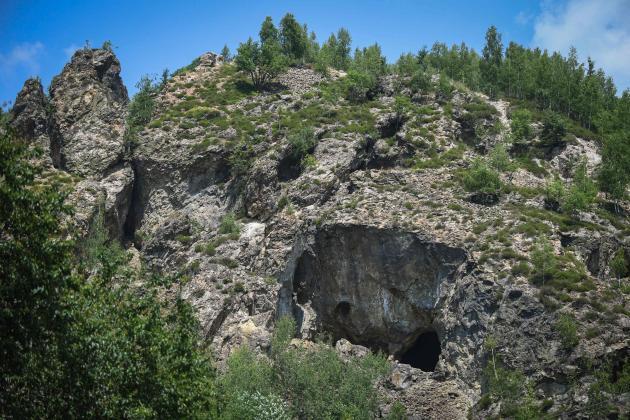 L'entrée d'une ancienne galerie de mine d'or à Rosia Montana, en Roumanie. Les collines autour du village renferment un complexe minier romain qui s'est développé à partir du IIe siècle et qui se trouve désormais sur la liste de l'Unesco.
