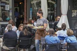 Un restaurant de Versailles, dans les Yvelines, le 15 juillet.
