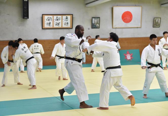 Teddy Riner à l'entraînement dans un dojo de Tama, dans la banlieue de Tokyo, le 23mai 2018.