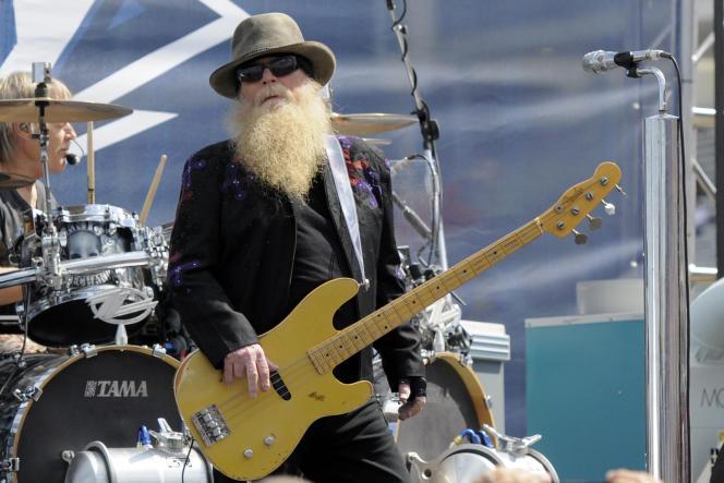 Dusty Hill, lors d'un concert à Concord, enCaroline du Nord, le 24 mai 2015.
