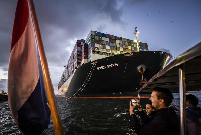 Le porte-conteneurs« Ever-Given», à son arrivée au port de Rotterdam (Pays-Bas), le 29 juillet 2021.