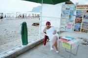 Un espace d'informations sur la plage de Koktebel.