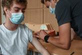 Passe sanitaire: «Les soignants craignent de se transformer en gardiens d'un lieu séparé du monde»