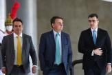 Brésil: donné perdant à la présidentielle de 2022, Jair Bolsonaro fait planer une menace sur la tenue de l'élection