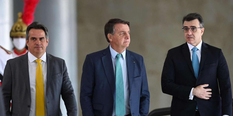 Brésil : donné perdant à la présidentielle de 2022, Bolsonaro fait planer une menace sur la tenue de l'élection