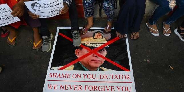 Birmanie: les atours civils d'une junte impuissante