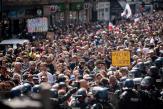 A Paris, la colère des manifestants contre le passe sanitaire