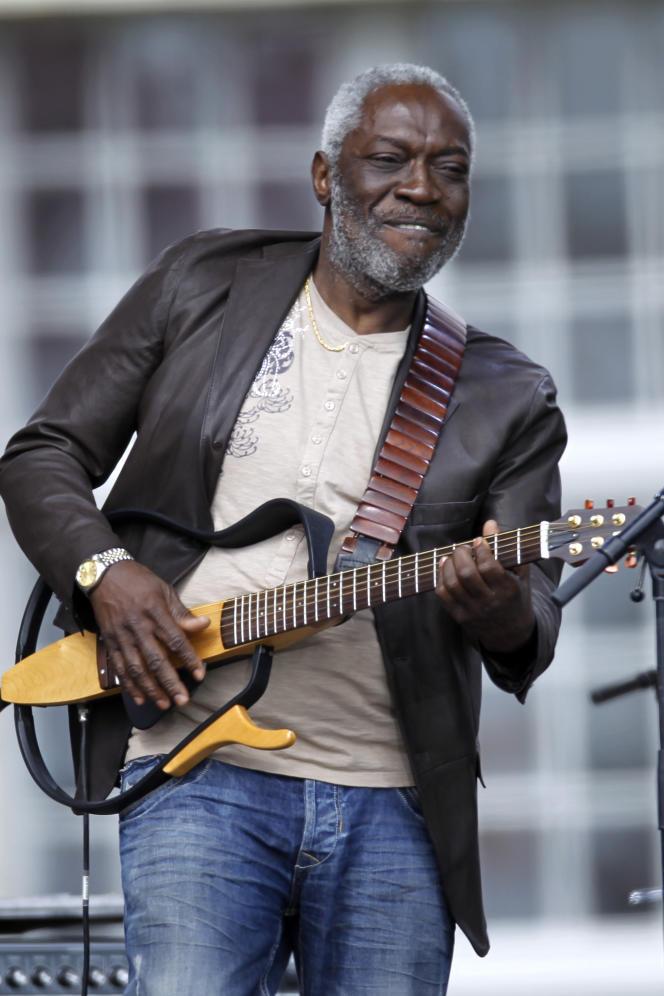 Le musicien Jacob Desvarieux du groupe de musique Kassav à Paris, le 15 avril 2012.