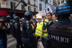 Lors de la manifestation contre l'instauration d'un passe sanitaire, à Paris, le 31 juillet 2021.
