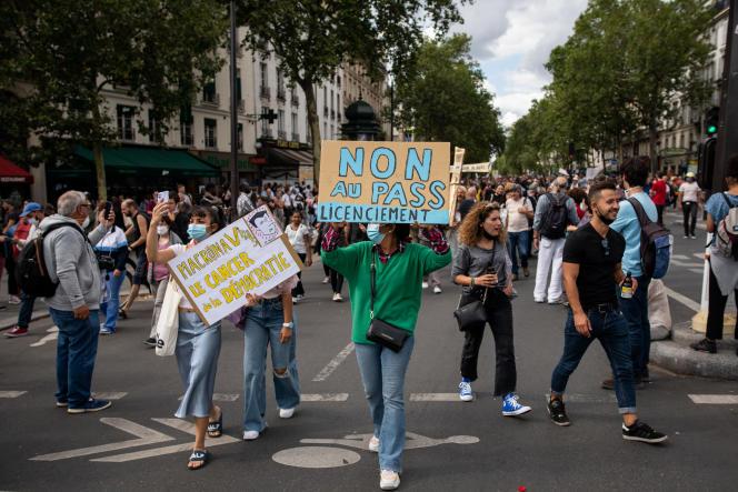 Manifestation contre l'instauration d'un passe sanitaire, place de la Bastille, àParis, le 31 juillet 2021.
