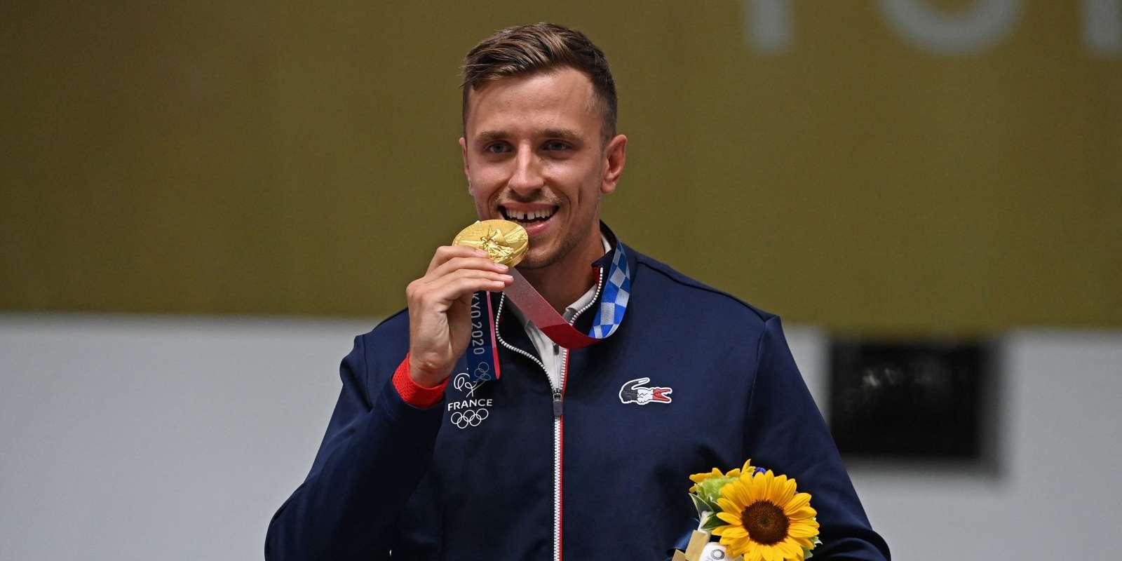 Après l'argent à Rio 2016, le Français s'est adjugé cette fois-ci l'or en 25 m pistolet feu rapide en égalant le record olympique.