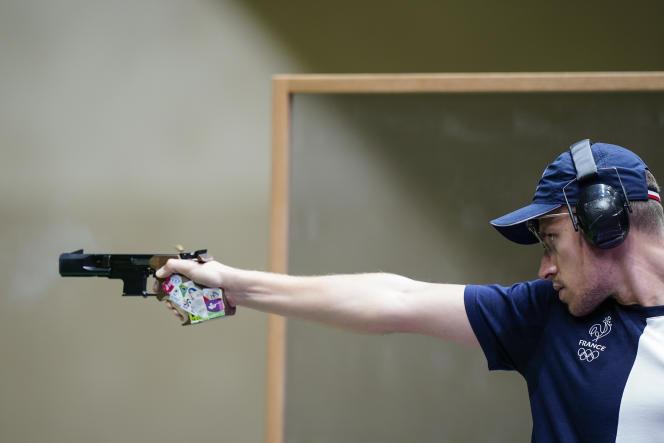 Jean Quiquampoix, médaillé d'or lundi matin en pistolet de vitesse à 25 mètres.